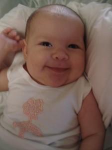 """Música que canto pra ela ninar: """"um sorriso seu me faz um beeeeem!!!"""""""